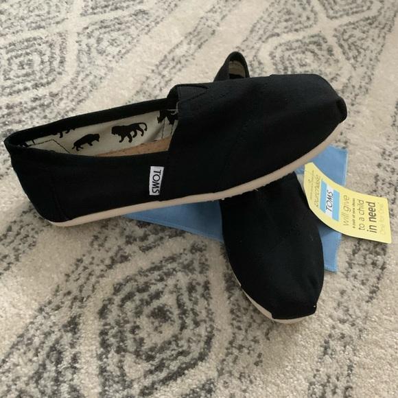 Toms women's classics canvas shoes